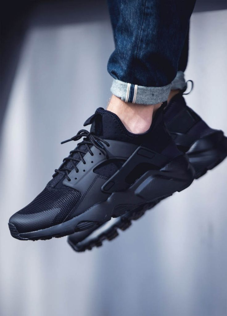 Nike Air Huarache Ultra in a lovely 'Blackout' colorway