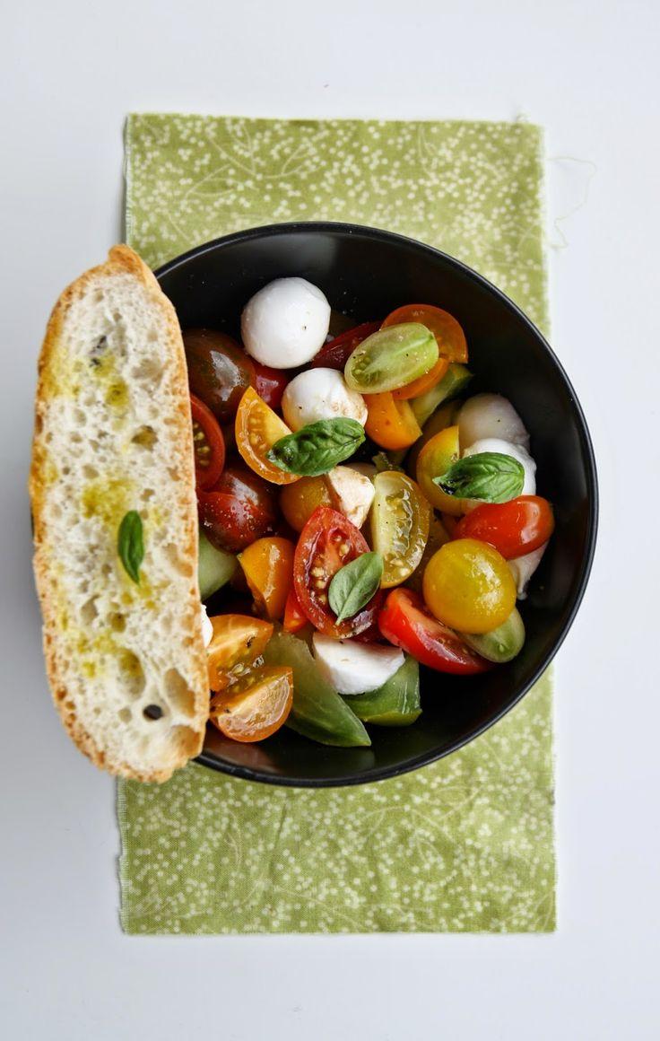 cherry tomato and mozzarella salad - insalata di pomodorini e mozzarella
