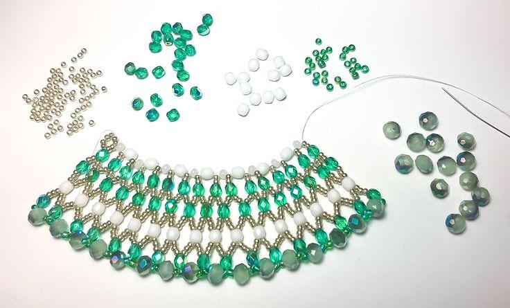 ALESSANDRA 02 -  Finalmente cuore e mani tornano ad essere complici... Alessandra 02 è in verde acqua, bianco e oro. Ci sto lavorando...   www.raffaelladeangeli.it  #RaffaellaDeAngeli #ArtigianiItaliani #ProdottoUnico #MadeInItaly #FattoAMano #Handmade #Jewelry #Gioielli #Bijoux #Collana #Necklace #Handcrafted #Beads
