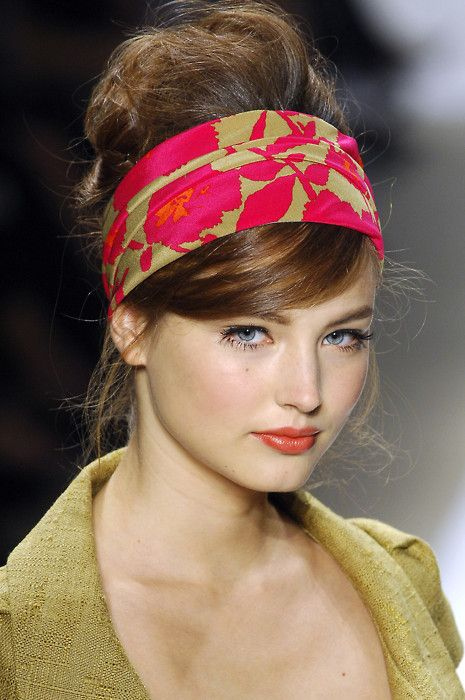 Gonna try this with my sock bun! | Fashion Trends ...