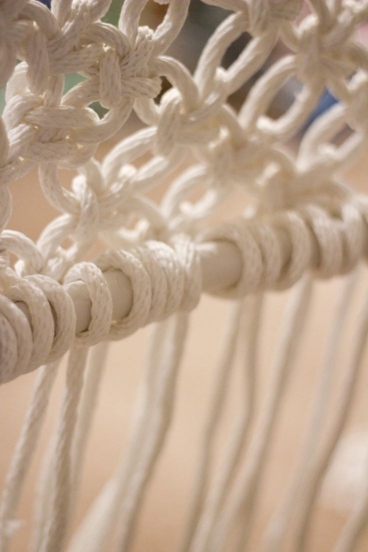 Best 25 macrame chairs ideas on pinterest macrame for Macrame hanging chair