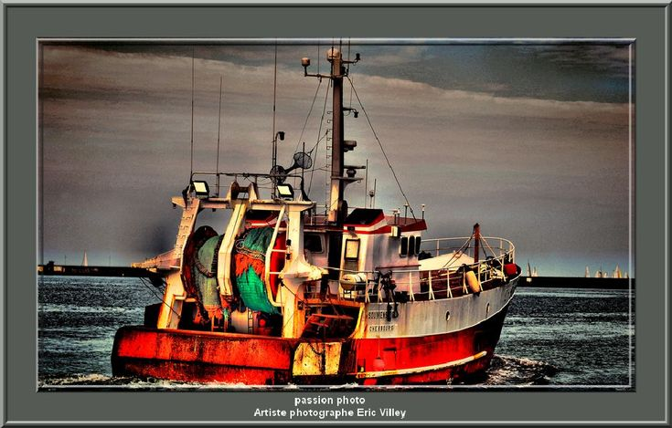 peche arriere Cherbourgeois by Artiste photographe -ERIC VILLEY