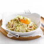 Een overheerlijke zandtaartje met risotto van tuinbonen en krokant gebakken sint-jakobsnoten, die maak je met dit recept. Smakelijk!