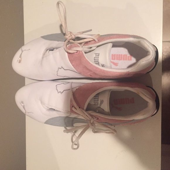 Puma Tennis Shoes Puma Tennies. Size 7.5 I think - but they barely fit me and I am in between 7-7.5. I would say they run closer to a 6.5. Light wear. Stains visible in pics. Laces are dirty. Puma Shoes Athletic Shoes