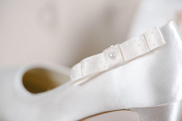 Schuhclips - Brautschuh-Clip Schleifchen + Perle ivory - ein Designerstück von Perle-Wismer bei DaWanda