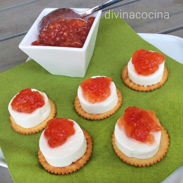 Esta receta de mermelada de tomates es muy fácil. Si te gusta con textura más fina, como una jalea, puedes pasar por el pasapurés o ligeramente por la batidora.