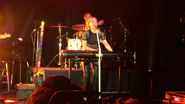 "Rachel Platten - ""Fight Song"" live at Irving Plaza"
