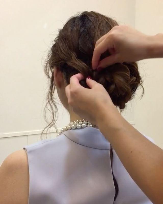 こんな日はアップ♡  #結婚式#ブライダル#花嫁#プレ花嫁#二次会#ヘアスタイル#ヘアアレンジ#セルフアレンジ#hair#hairstyle #haircolor #ウエディング#wedding #ウエディングドレス#レイフィールド#一宮市#栄#名古屋#こなれヘア#こなれ感#ファッション#fashion