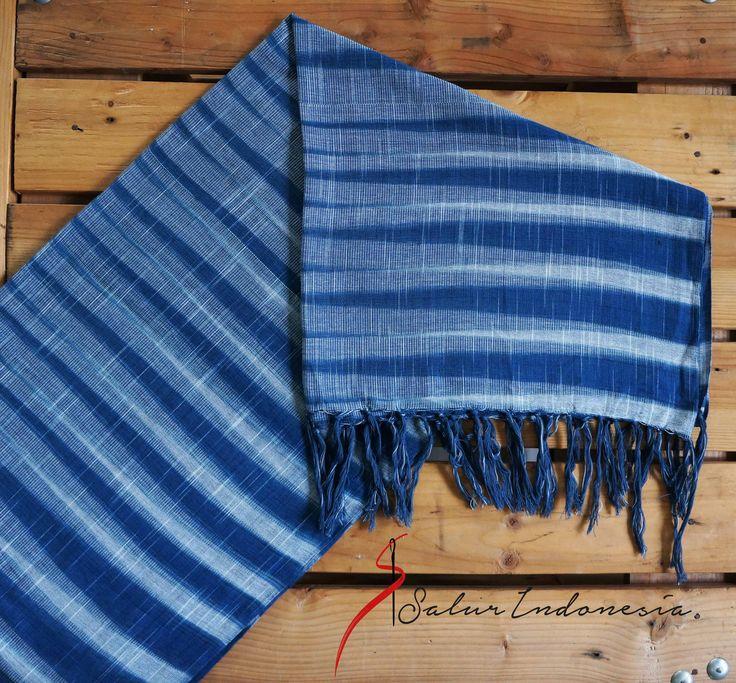 scarf tenun Indigo