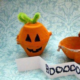 Lavoretti di Halloween per bambini: 10 idee semplici, con materiale che abbiamo in casa.