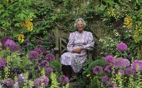 Rosemary Verey,OBE,VMH (1918- 2001) internationally known English garden designer,lecturer & prolific garden writer- designed her own famous garden at Barnsley House, near Cirencester.She was known for taking imposing elements from large public gardens & bringing them into scale for the home gardeners.Also noted for making vegetable (ornamental potager) gardens fashionable again.She opened her gardens to the public for one day but eventually went to 6 days/week to accommodate 30k annual…