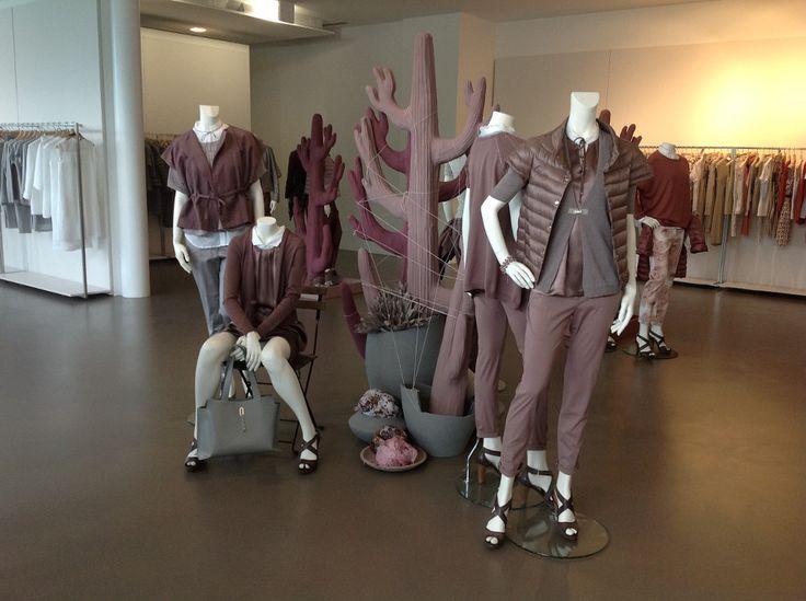 Allestimento visual per presentazione di collezione abbigliamento