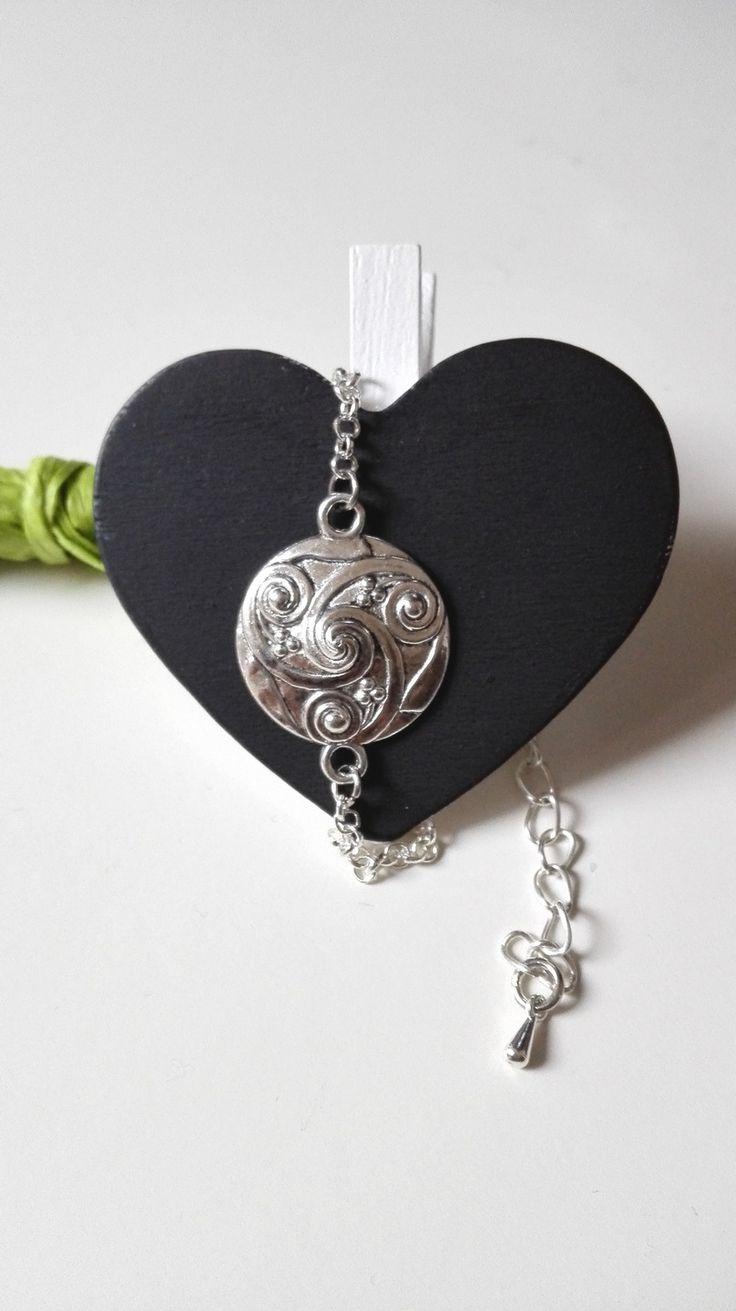 Bracelet bouclier Vikings Lagertha Triskel plume argenté féérique Ragnar lothbrok : Collier par miss-perles