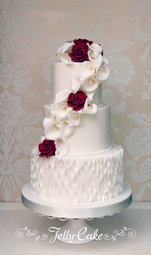 Calla Lily and Rose Wedding Cake