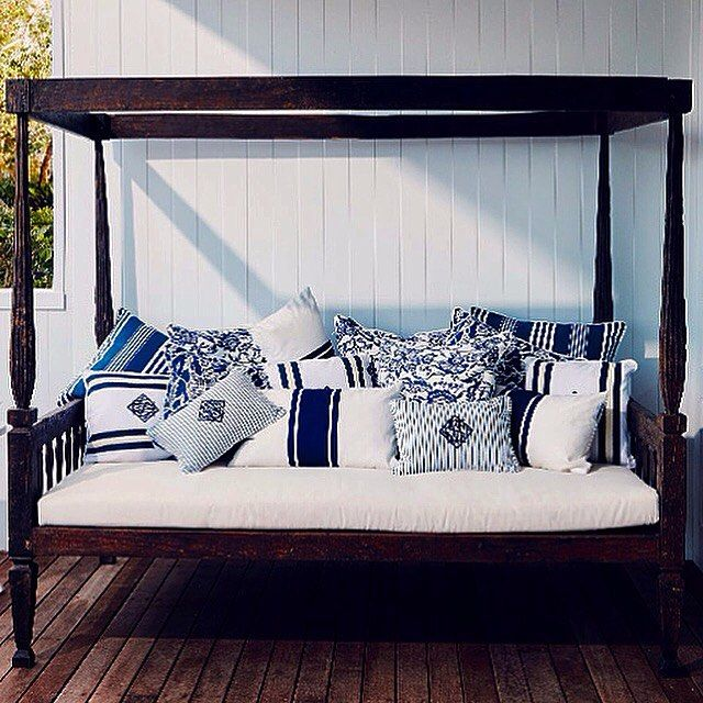 Collette Dinnigan has transitioned from fashion  to interior design. In her debut as an interior decorator, Collette handpicked fabrics, fittings & a selection of 'sporty' blue & white pillows ⚪️ from the Stuart Membery Home Collection @collettedinnigan @bellemagazineau #blueandwhite #decorativepillows #shoponline #shipworlwide  #SMHC #stuartmemberyhome