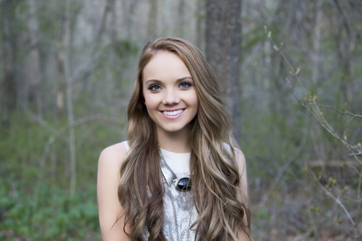 Happy 18th birthday to this beautiful and talented girl Danielle Bradbery thank you for showing me its ok to chase your dreams at a young age of 16 ,17♥♥♥♥♥