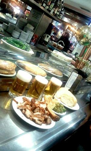 Bar Los Torreznos, Calle Goya 88, Madrid, España. http://www.bar-restaurante-torreznos.com/es/ Especialidad: Torreznos! Típical Spanish.