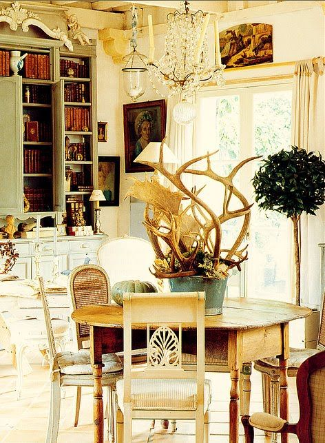 148 best Decorating with antlers images on Pinterest | Deer, Antlers ...