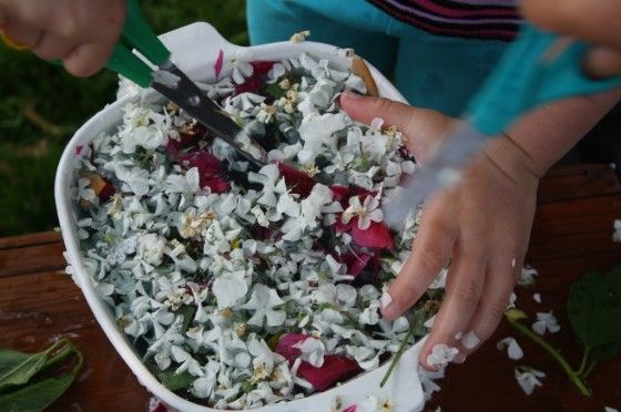 garden soup - happy hooligans - sensory play - flower soup - water play