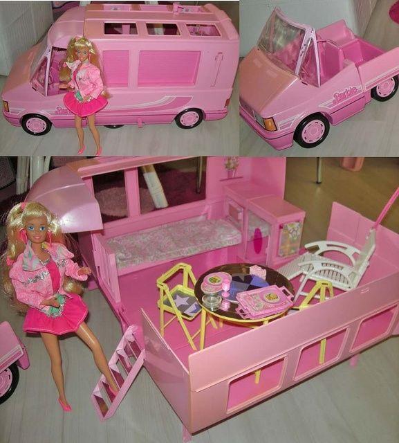 Le campeur de Barbie