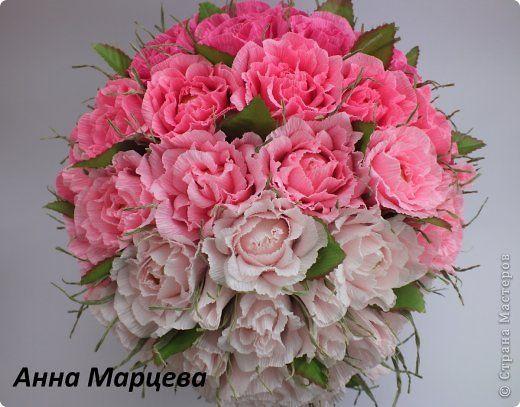 розы из гофробумаги и конфет (4) (520x407, 50Kb)