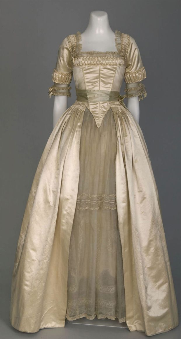 1916-Lucile-wedding-dress-(Chicago-History-Museum---Chicago,-Illinois-USA)