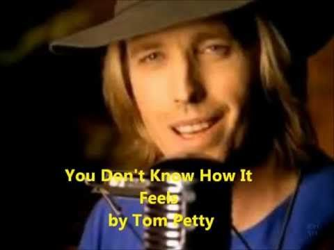 Tom Petty and the Heartbreakers - Don't Come Around Here No More (lyrics)