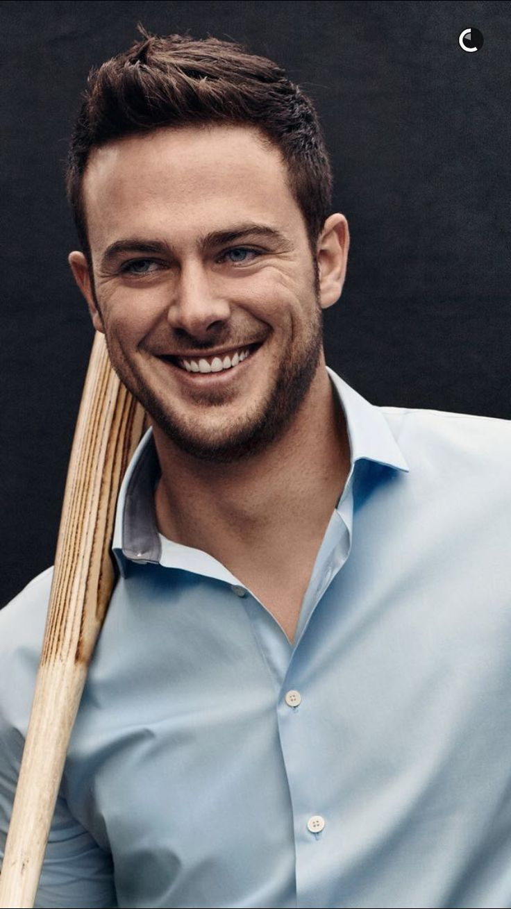 Chicago Cubs third basemen Kris Bryant is Express' new brand ambassador! 3/3/16~From the Express snapchat