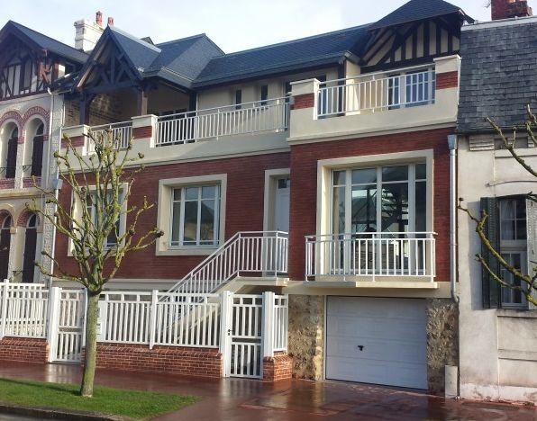 23 best maisons deauville images on pinterest mansions villa and villas. Black Bedroom Furniture Sets. Home Design Ideas