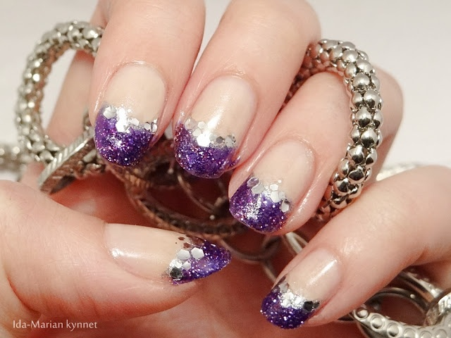 Ida-Marian kynnet / Violet glitter french manicure with silver lining / #Nails #Nailart