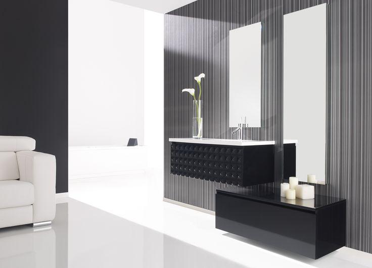 Meuble de salle de bain très contemporain noir laqué brillant #meubledesalledebain