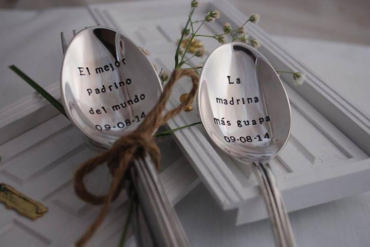 nuestras cucharas de plata grabadas son el regalo original perfecto para ese ser querido que quieres sorprender le encantar tu mensaje y el regalu