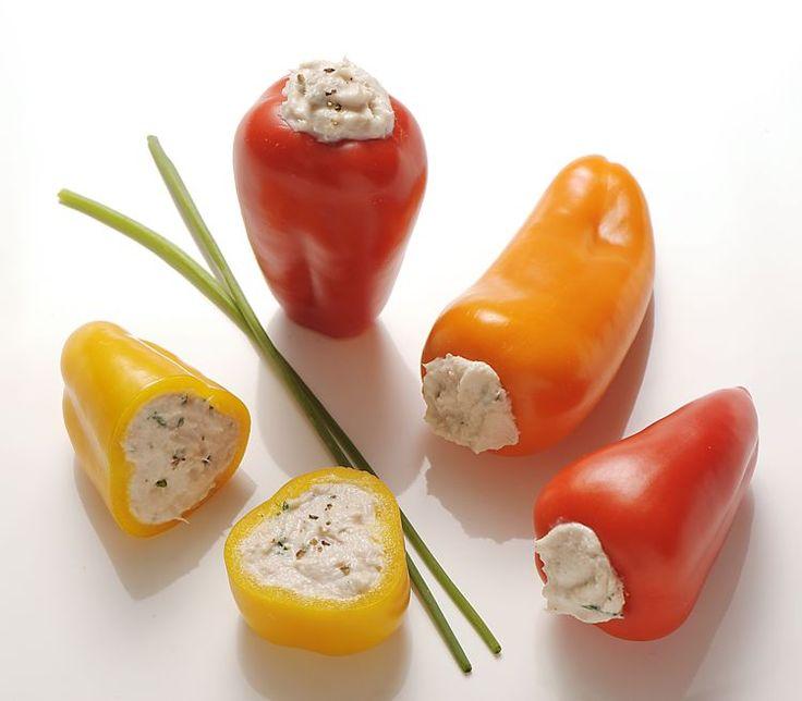 Mini-poivrons farcis au thon (crème fraiche, ciboulette, sel, poivre)