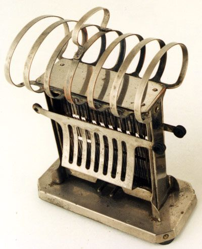 Old Universal Brand Toaster From The Early 1900 S Check