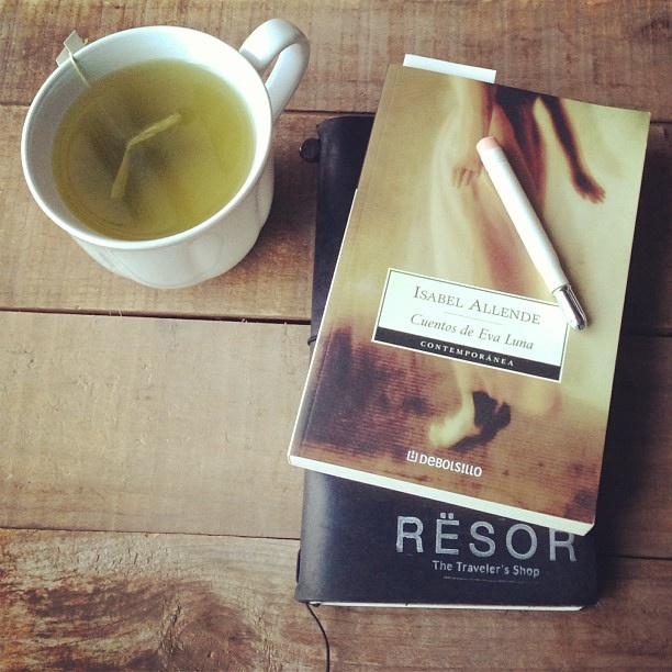 Afternoon tea #reading #writing #aftrrnoontea #travelersnotebook #midori #stationery #greentea by Rësor Shop, via Flickr