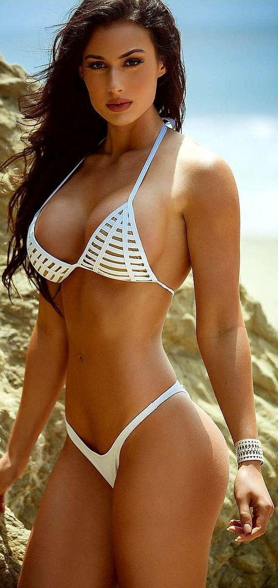 Hot latinas in bikinis — photo 14