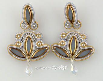 """Soutache Earrings """"Lilies"""" (Gray)"""
