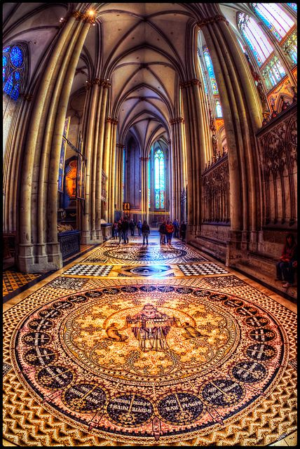 Interior detail - Cologne Cathedral (by szeke, via Flickr) UNESCO World Heritage