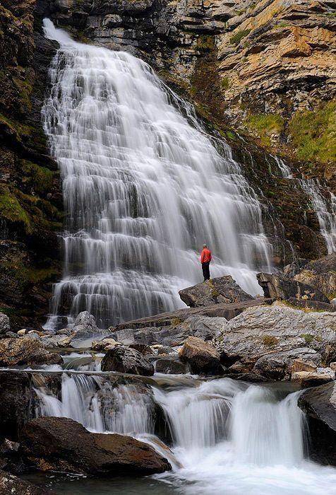 Cascada Cola de Caballo - Parque Nacional de Ordesa y Monte Perdido, Aragon, Spain