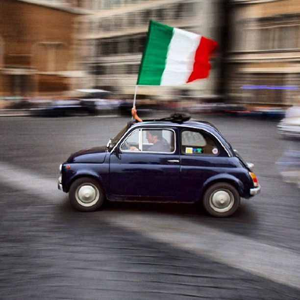 E viva l'italia! I had a Mini when I lived in Rome! Sigh! I kiss that awesome car! Oh wait, I think that's a Fiat 500! Lol. It was too small on my phone to differentiate. But they makes more sense! LOL. My mom still has hers, but she lives in Spain now. ~ETS
