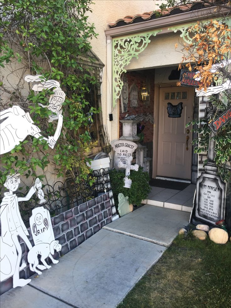 Haunted Front Yard Ideas Part - 25: My Own Props- Halloween 2016- Haunted Mansion - Front Yard