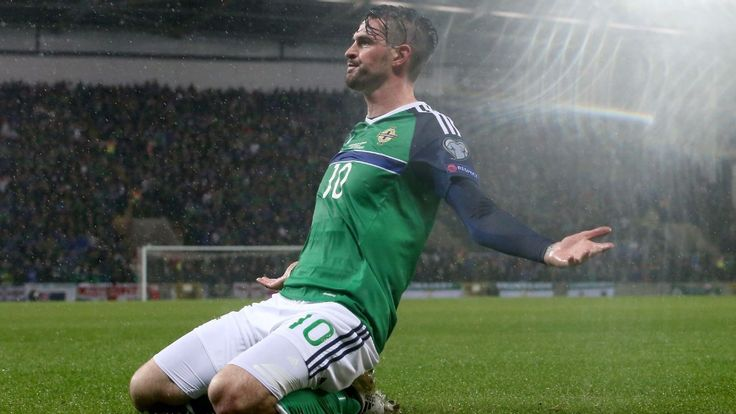 Northern Ireland's Kyle Lafferty moves to Hearts