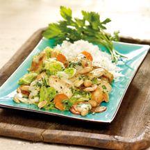 Gemüse-Erdnuss-Wok mit Hähnchen