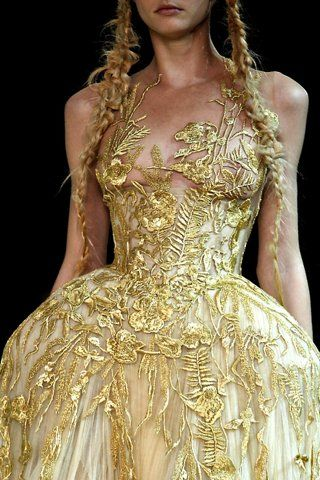 McQueen : Wedding Dressses, Alexander Mcqueen, Fashion Details, Fairytale Dress, Alexandermcqueen, Fairies Dresses, Golden Dress, Gold Wedding, Lace Dresses