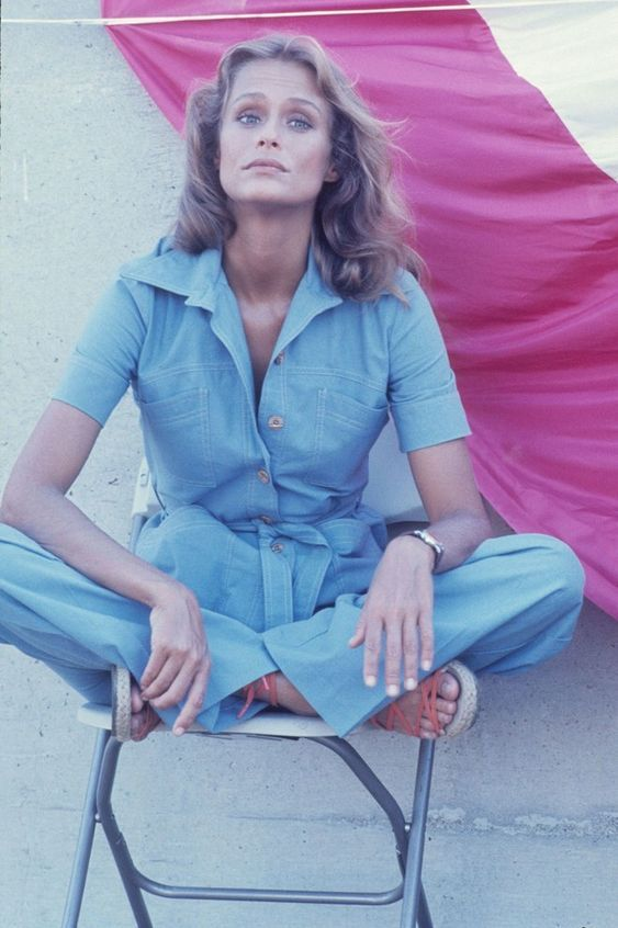 Lauren Hutton She embodied the style of the Seventies, she was a supermodel with a timeless allure, one of the most beautiful faces in Hollywood …