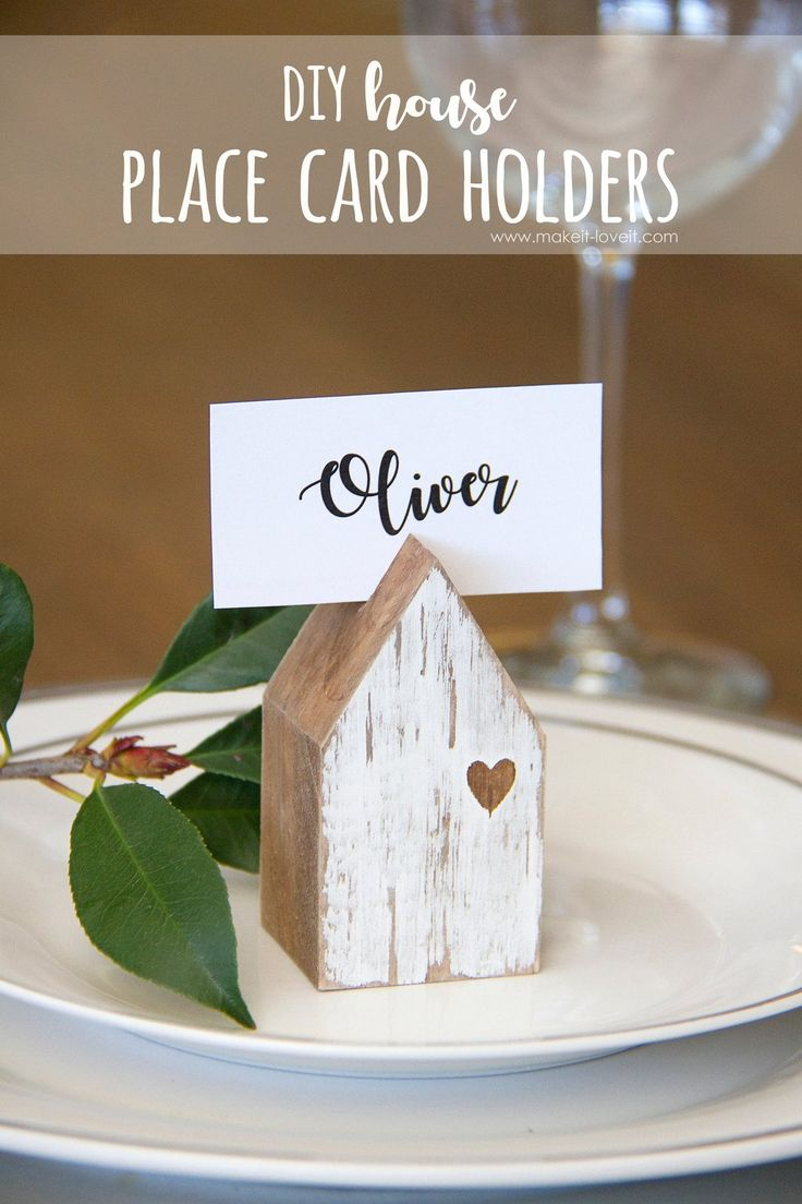 DIY House Place Card Holders...from scrap wood for Thanksgiving and other gatherings! | via www.makeit-loveit.com