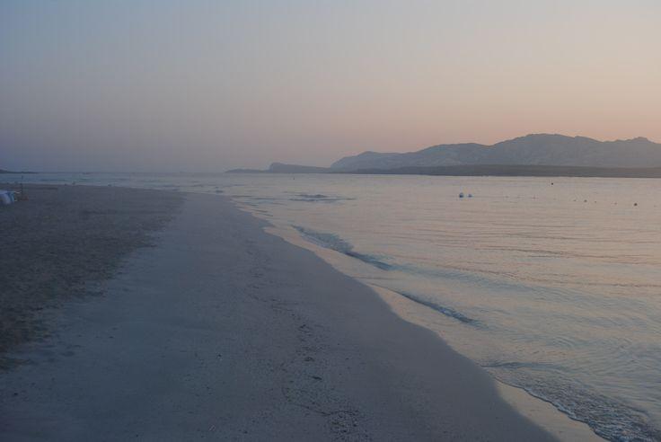 Spiaggia durante le prime ore del giorno