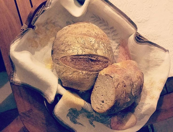Il mio pane fatto in casa, con la mia pasta madre #mybread #homemade #lovecooking #cookinglife
