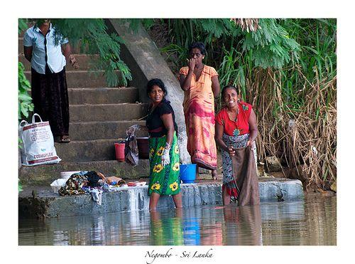 Laundry at the river, Negombo, Sri Lanka (www.secretlanka.com)