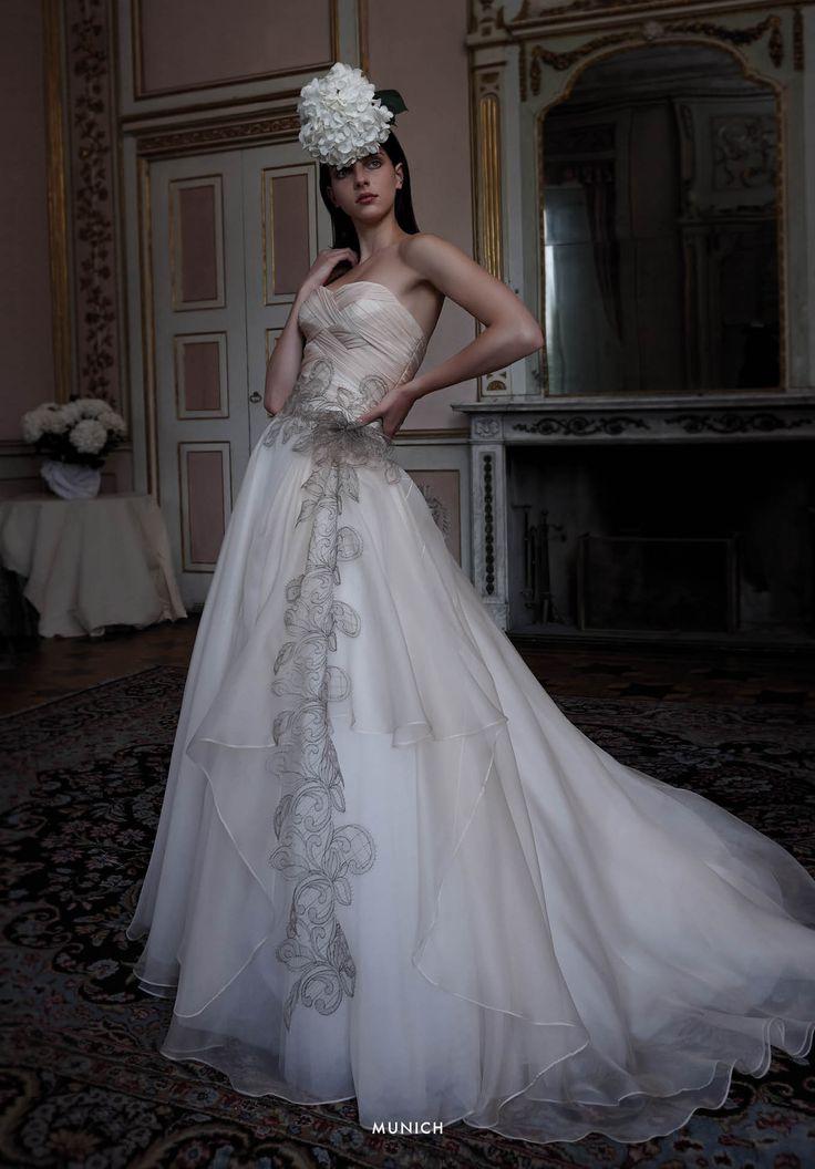 Collezione EP 2015 - Elisabetta Polignano: Abito da sposa con ricami a contrasto #wedding #weddingdress #weddinggown #abitodasposa